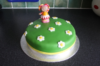 In the Night Garden Cake with Plastic Upsy Daisy Figure