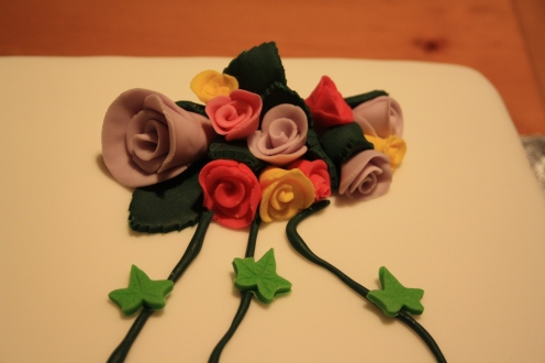 Rose Bouquet With Ivy Trails