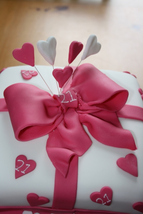 Sugarcraft Bow and Spray of Hearts