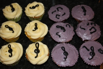 Musical Cupcakes With Vanilla And Blackcurrant Frosting